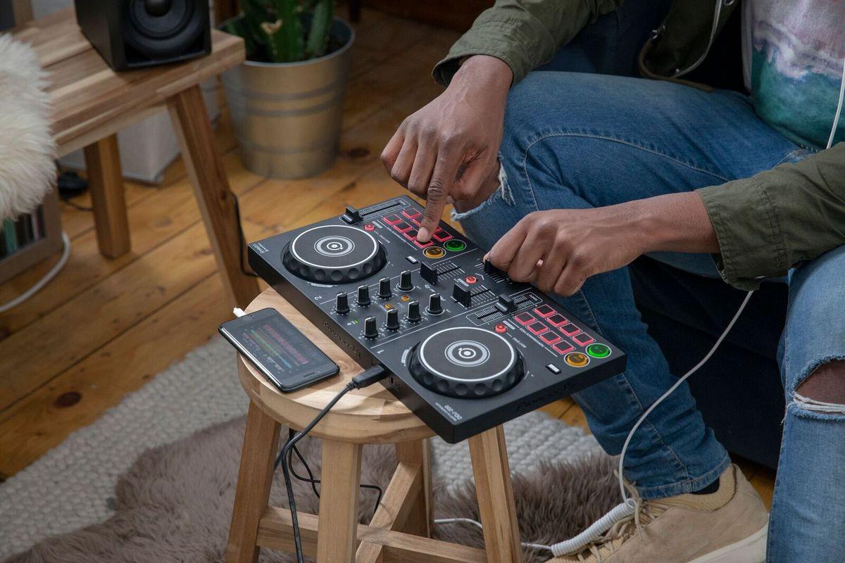 Thiết bị DJ tốt nhất dành cho người mới bắt đầu