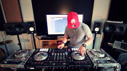 8 bộ điều khiển DJ tốt nhất cho người mới bắt đầu năm 2021